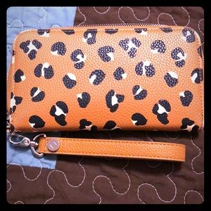 Thirty one all about Benjamin's wallet & strap